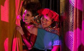 GLOW, GLOW - Staffel 3 mit Alison Brie und Britney Young - Bild 14