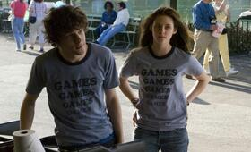 Jesse Eisenberg in Adventureland - Bild 65