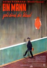 Ein Mann geht durch die Wand - Poster