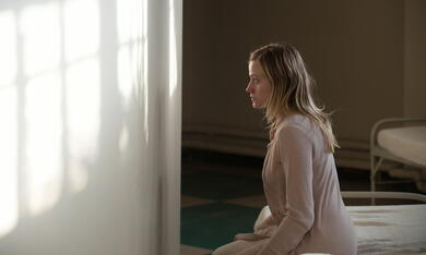 The Vatican Tapes mit Olivia Taylor Dudley - Bild 8