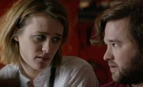 Izzy Gets the F*ck Across Town mit Haley Joel Osment und Mackenzie Davis - Bild 22