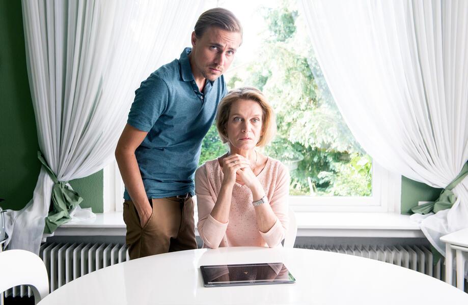 Ostfrieslandkrimis - Ostfriesensünde mit Constantin von Jascheroff und Judith Engel