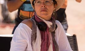 Patricia Riggen beim Dreh zu 69 Tage Hoffnung - Bild 1