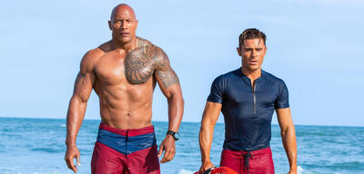 Baywatch mit Dwayne Johnson & Zac Efron
