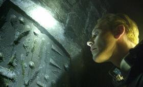 Prometheus - Dunkle Zeichen mit Michael Fassbender - Bild 14