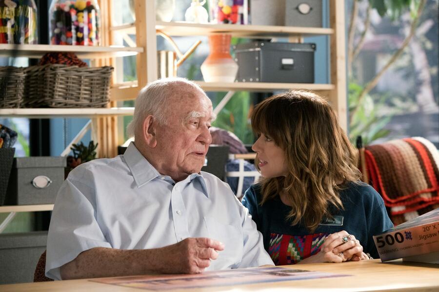 Dead To Me, Dead To Me - Staffel 1 mit Linda Cardellini und Edward Asner