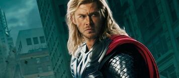 Michael Mann dirigiert Thor-Darsteller Chris Hemsworth in neuem Projekt.