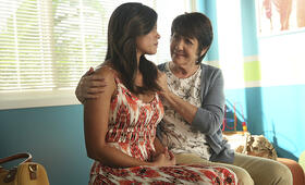 Staffel 2 mit Gina Rodriguez - Bild 29