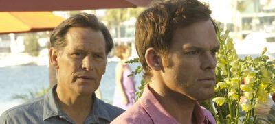 Dexter (Michael C. Hall) hat mal wieder alle Hände voll zu tun