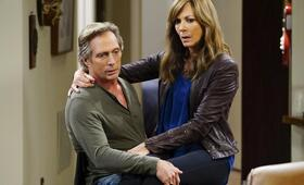 Mom Staffel 5 mit William Fichtner und Allison Janney - Bild 15