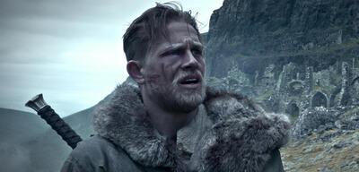 King Arthur mitCharlie Hunnam