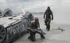 Elysium mit Matt Damon und Sharlto Copley - Bild 4