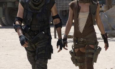 Resident Evil: Extinction mit Milla Jovovich und Oded Fehr - Bild 1
