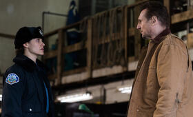 Hard Powder mit Liam Neeson und Emmy Rossum - Bild 14