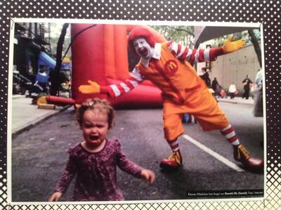 Ronald McDonald Sperma Gesicht