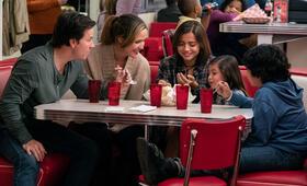 Plötzlich Familie mit Mark Wahlberg, Rose Byrne und Isabela Moner - Bild 11