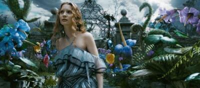 Mia Wasikowska in Tim Burtons Alice im Wunderland