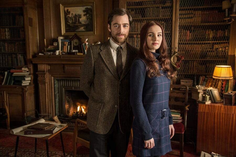 Outlander, Staffel 2 mit Richard Rankin und Sophie Skelton