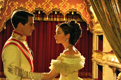 Cristiana Capotondi und David Rott als Sisi und Franz Josef.