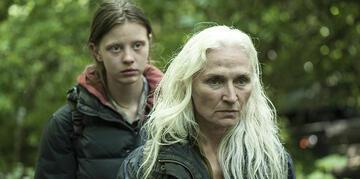 Mutter (Olwen Fouere) und Tochter (Mia Goth) im Tausch gegen Menschlichkeit.