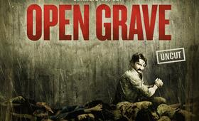 Open Grave mit Sharlto Copley - Bild 26