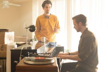 """v.l. Damien Chazelle & Ryan Gosling am Set von """"La La Land"""""""