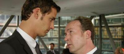 Max von Thun (l) und Ulrich Noethen (r) in Trau' niemals deinem Chef