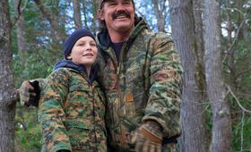 Das Vermächtnis des Weißwedelhirschjägers mit Josh Brolin und Montana Jordan - Bild 7