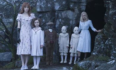 Die Insel der besonderen Kinder mit Ella Purnell, Cameron King und Lauren McCrostie - Bild 5