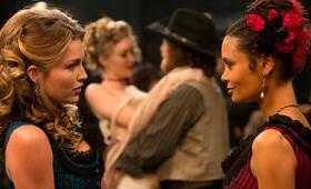Westworld, Westworld Staffel 1 mit Thandie Newton - Bild 33