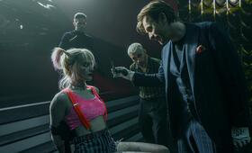Birds of Prey: The Emancipation of Harley Quinn mit Ewan McGregor, Margot Robbie und Chris Messina - Bild 2
