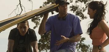 Bild zu:  LaBeouf, Bay & Fox am Set von Transformers