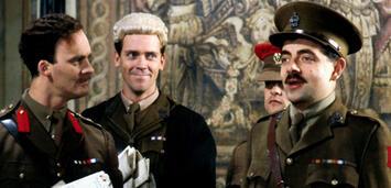 Bild zu:  Tim McInnerny, Hugh Laurie und Rowan Atkinson in Blackadder Goes Forth
