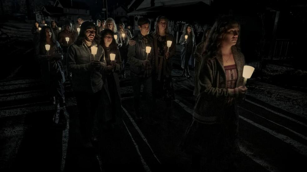 Midnight Mass, Midnight Mass - Staffel 1