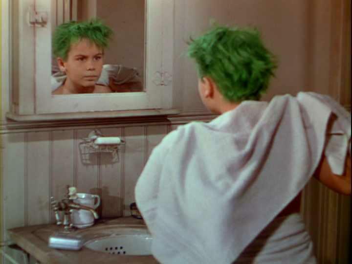 Der Junge mit den grünen Haaren