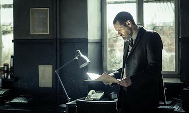 Dark Crimes mit Jim Carrey - Bild 7