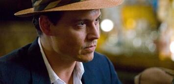 Bild zu:  Johnny Depp als exzentrischer Schriftsteller Paul Kemp in Rum Diary