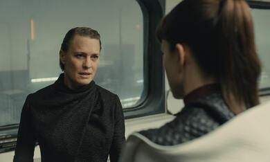 Blade Runner 2049 mit Robin Wright und Sylvia Hoeks - Bild 4