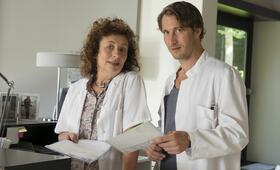 Arzt mit Nebenwirkung mit David Rott und Teresa Harder - Bild 53
