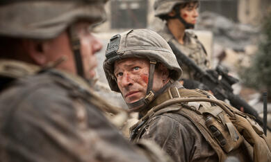 World Invasion: Battle Los Angeles mit Aaron Eckhart - Bild 3