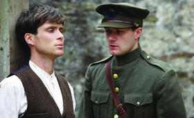 The Wind That Shakes the Barley mit Cillian Murphy und Padraic Delaney - Bild 1