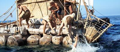 Mann über Bord! Die Crew versucht Hermann zu retten