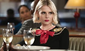 The Politician - Staffel 2 mit Lucy Boynton - Bild 1
