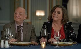 Eine ganz andere Hochzeit mit Kathleen Turner und Wallace Shawn - Bild 1