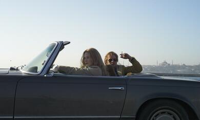 Verhängnisvolle Affaire in Istanbul: Russin Irina (Svetlana Khodchenkova) und MI6-Skalpjäger Ricki Tarr (Tom Hardy) - Bild 11