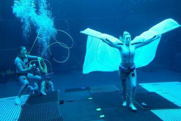 Kate Winslet als Unterwasserwesen auf dem Avatar 2-Set