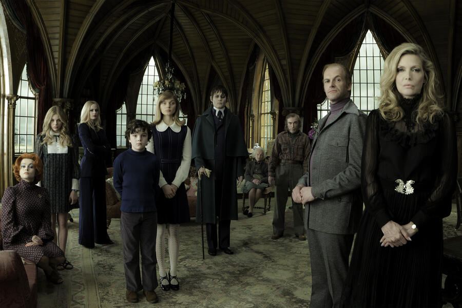 Dark Shadows mit Bella Heathcote