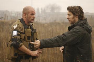 Neill Blomkamp (re.) am Set von District 9