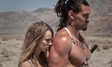 The Bad Batch mit Jason Momoa und Suki Waterhouse - Bild 1