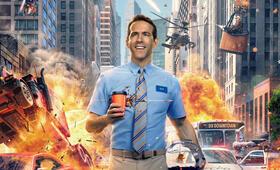 Free Guy mit Ryan Reynolds - Bild 2